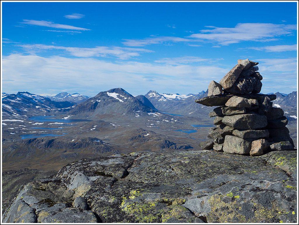 På toppen av Slettmarkkampen i Jotunheimen